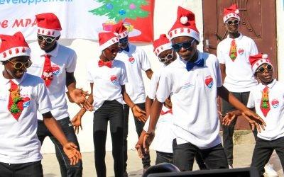 5ème édtion Noël solidaire à Mpaka #Vidéo bana ya Mpaka Danse et animation